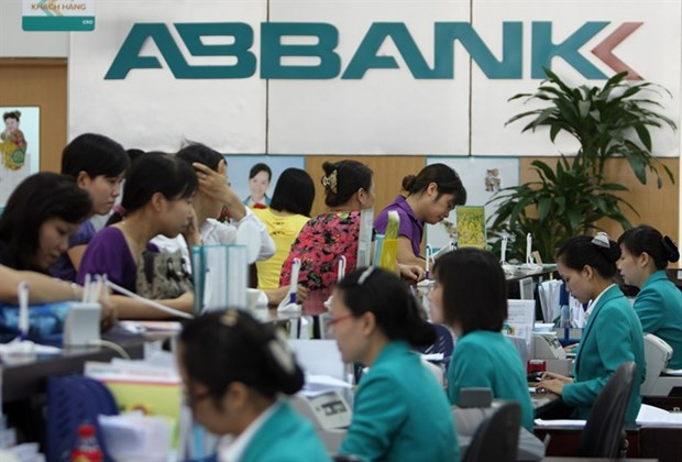 SBV encourages M&As to restructure banks hinh anh 1