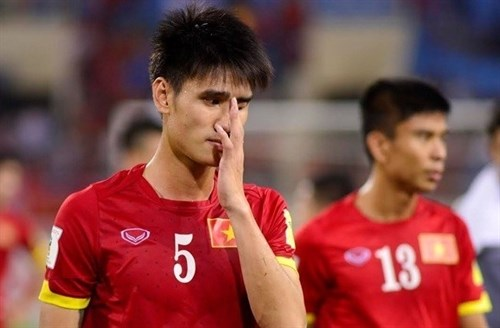 VN football team fall in world rankings hinh anh 1