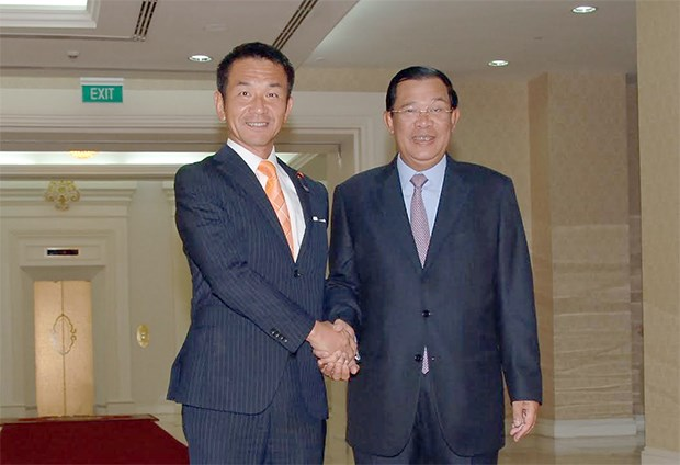 Japan promises to continue aid to Cambodia hinh anh 1
