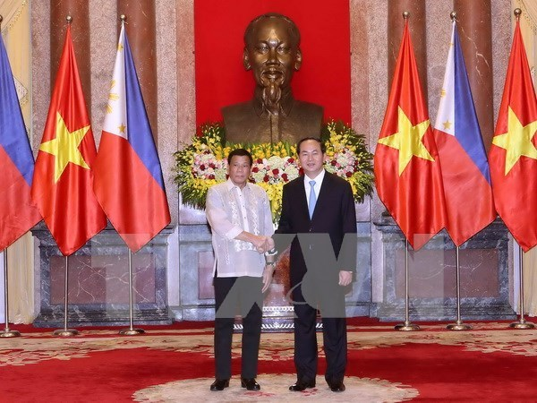 Joint Statement on Philippine President's visit to Vietnam hinh anh 1