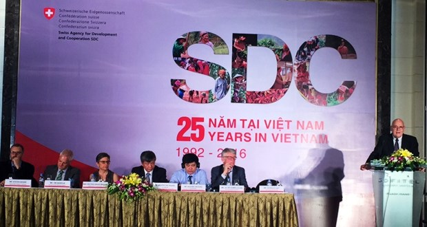 Switzerland helps Vietnam develop economy sustainably hinh anh 1