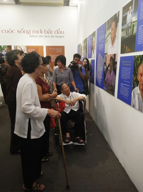 Exhibit sheds light on elderly's life hinh anh 1