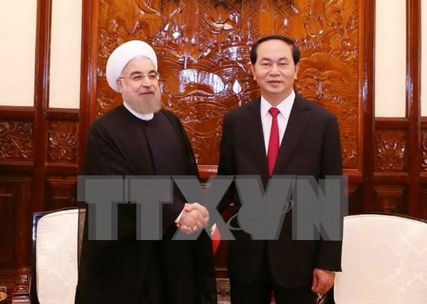 VN, Iran issue joint statement on Iran President's visit hinh anh 1