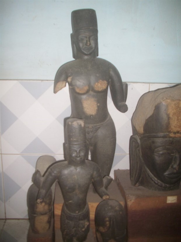 Collector amasses Oc Eo antiques hinh anh 1