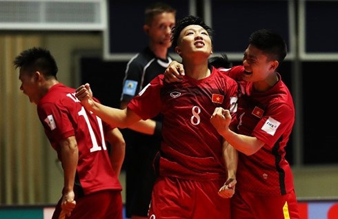 Tri's goal voted 2nd best at Futsal World Cup hinh anh 1