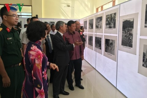 Exhibition on Ho Chi Minh Trail in Laos comes to Savannakhet hinh anh 1