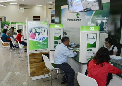 Vietcombank cuts specific lending rates hinh anh 1