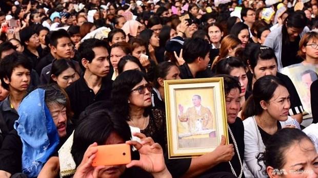 Thailand prays for King Bhumibol Adulyadej hinh anh 1