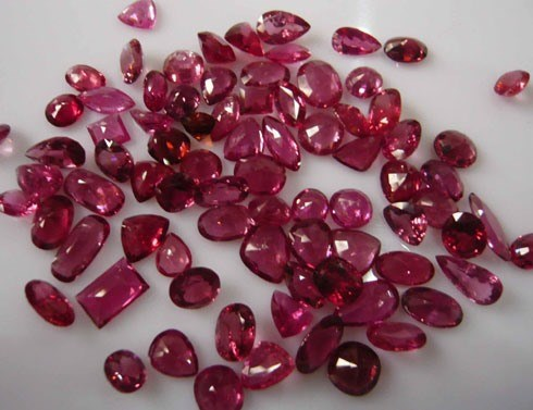 Vietnam's exports of gems and precious metals surge hinh anh 1