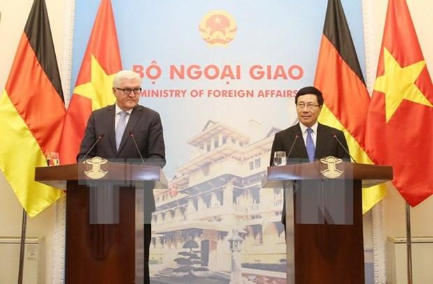 Vietnam-Germany strategic partnership grows dynamically: diplomats hinh anh 1