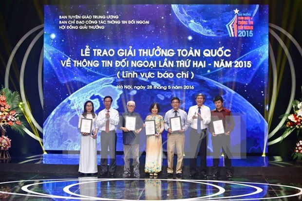 National External Information Service Awards 2016 launched hinh anh 1