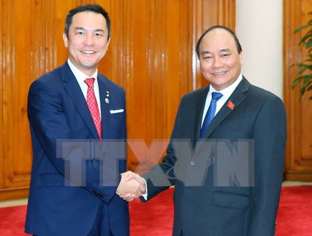 PM calls for Japanese prefecture's more investment in Vietnam hinh anh 1