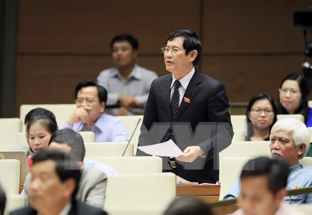 Industry, environment-related problems heat up Q&A session hinh anh 1