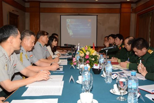Vietnam, RoK join hands to search for soldiers' remains hinh anh 1