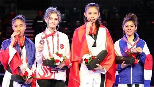 Taekwondo gold medal for Vietnam at world junior champs hinh anh 1