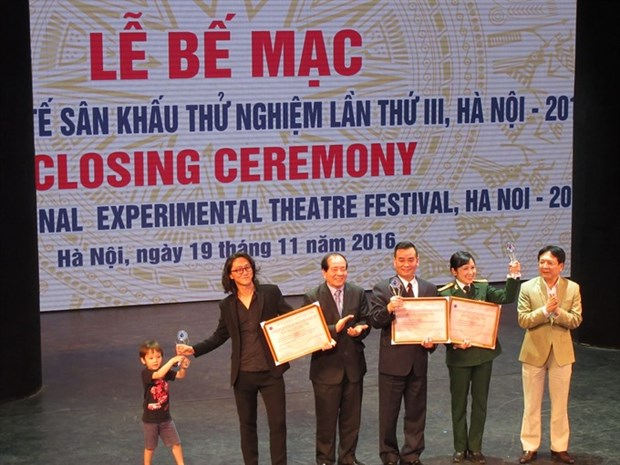 Outstanding plays honoured at Int'l Experimental Theatre Festival hinh anh 1