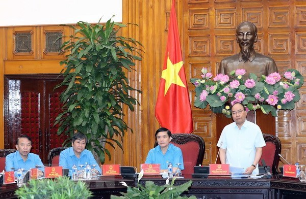 PM urges VGCL to accelerate trade union institution building hinh anh 1