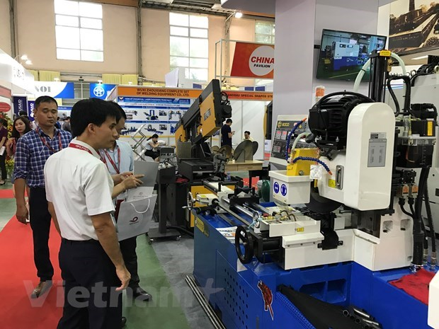 Vietnam runs nearly 28 bln USD in trade deficit with China hinh anh 1