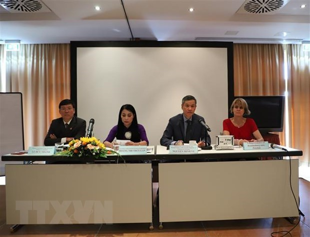 Investment chances in Vinh Phuc introduced to German firms hinh anh 1