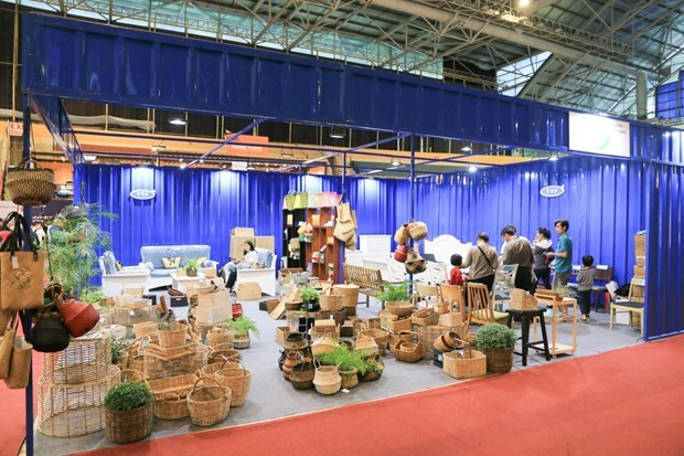 Opportunity for furniture producers to fully tap local market hinh anh 1