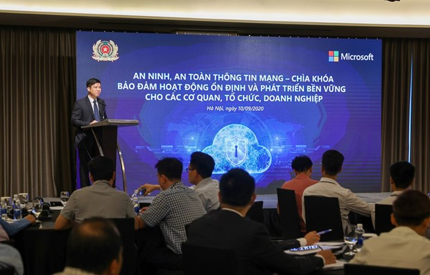 Vietnam faces risks from cyberspace: experts hinh anh 1