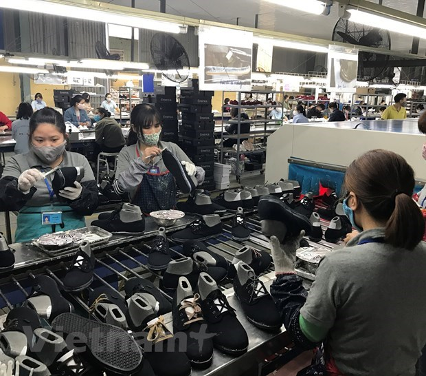Vietnam witnesses exports growth of 5.5 percent in 11 months hinh anh 2