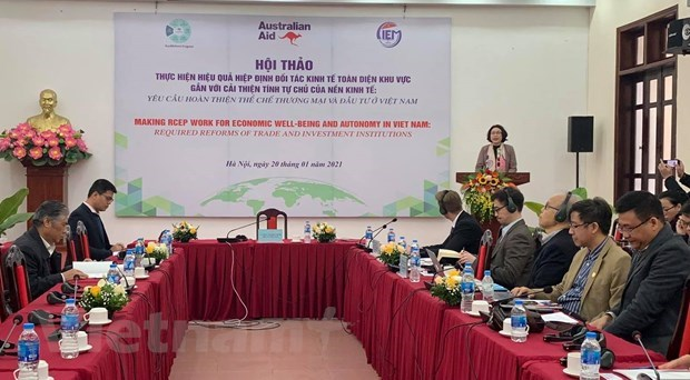 Enhanced economic autonomy needed for Vietnam to tap benefits from RCEP: CIEM hinh anh 2