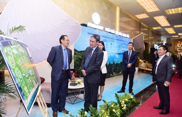 Forum seeks solutions to improve attractiveness of Vietnam's tourism hinh anh 1