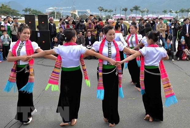 "Efforts to preserve and develop ""Xoe Thai"" unique dance hinh anh 1"