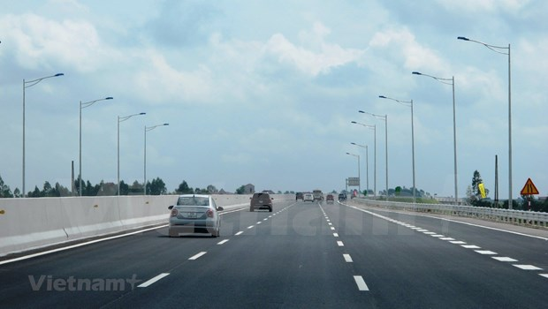 Public-funded model proposed for sub-projects of North-South Expressway hinh anh 2