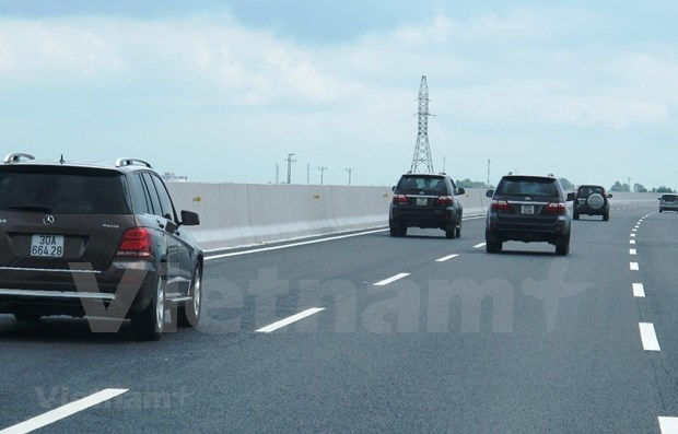 Public-funded model proposed for sub-projects of North-South Expressway hinh anh 1