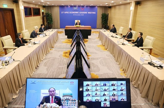 Vietnam continues partnering with APEC for regional peace and stability: PM hinh anh 1