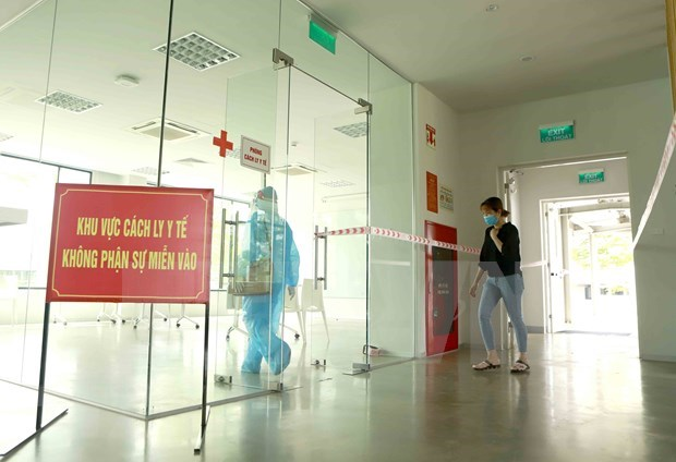 COVID caseload surpasses 10,000, Vietnam strives to curb the pandemic hinh anh 1