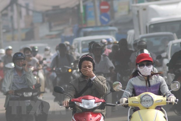 Vietnam steps up measures to improve air quality hinh anh 2