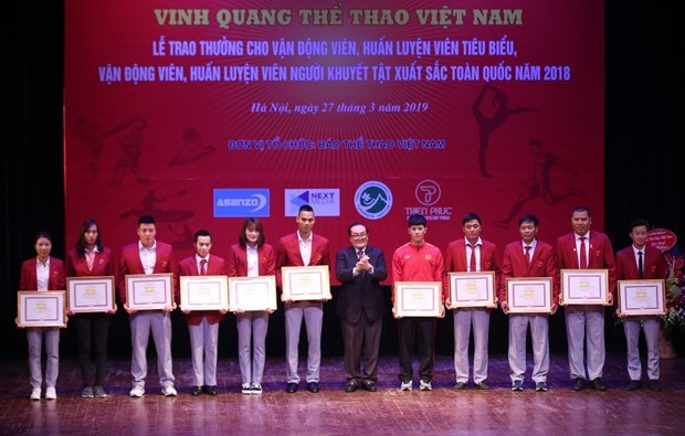 Outstanding athletes, coaches honoured hinh anh 1