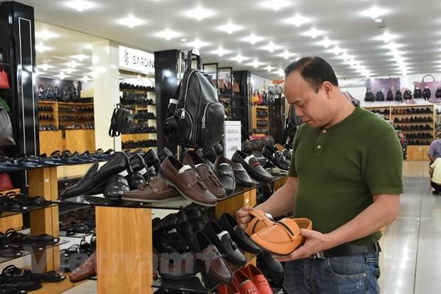Domestic firms advised to observe export regulations hinh anh 1