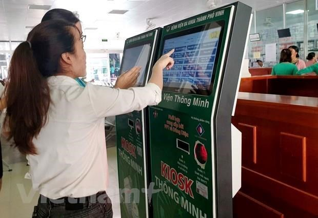 Vietnam intensifies non-cash payment for public services hinh anh 1