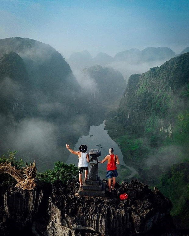 Domestic, global tourism experiences new trends hinh anh 3