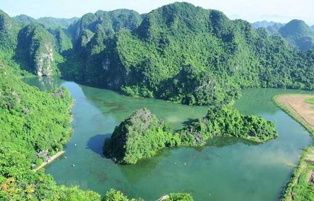 Ninh Binh ensures preservation-development harmony in Trang An hinh anh 1