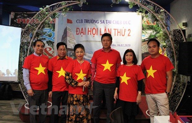 Truong Sa Club in Germany turns heart to homeland sea, islands hinh anh 1