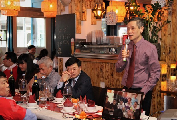 Truong Sa Club in Germany turns heart to homeland sea, islands hinh anh 2