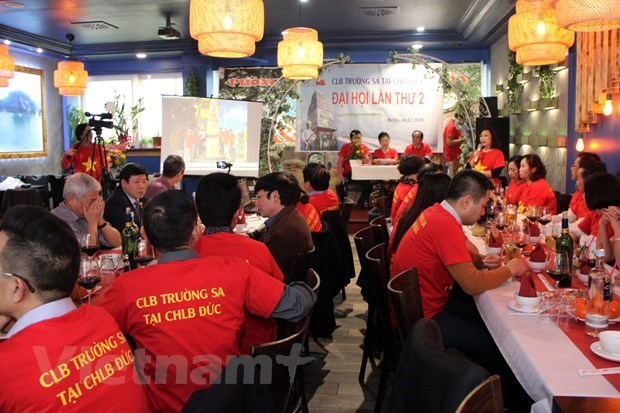 Truong Sa Club in Germany turns heart to homeland sea, islands hinh anh 3