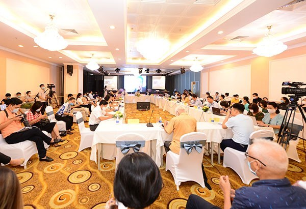 Bottlenecks need to be removed to promote cashless payments: experts hinh anh 2