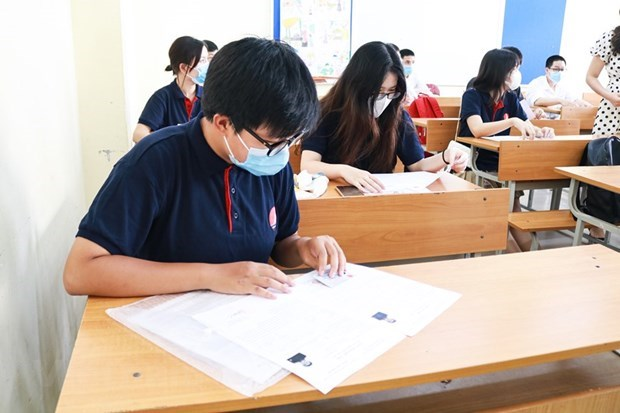 Joint efforts made to ensure safe high-school graduation exam amidst COVID-19  hinh anh 5