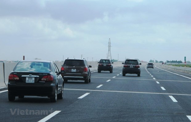 Vietnam speeds up construction of North-South Expressway hinh anh 1