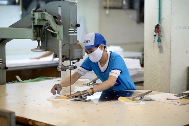 Trade surplus in ten months rises to record high hinh anh 2