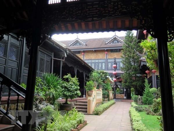 Nha vuon - fabulous architecture of Hue hinh anh 2