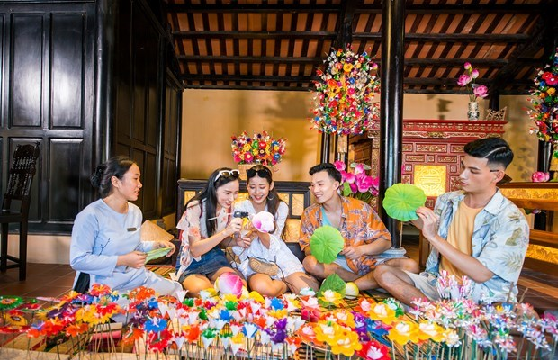 COVID-19: Dark clouds and a silver lining for Vietnam's tourism sector hinh anh 2