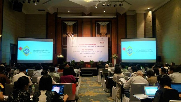 Deputy education minister talks about vision of Vietnam's education hinh anh 3
