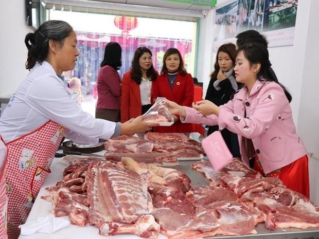 Climbing pork prices push November CPI up 0.96 percent hinh anh 1